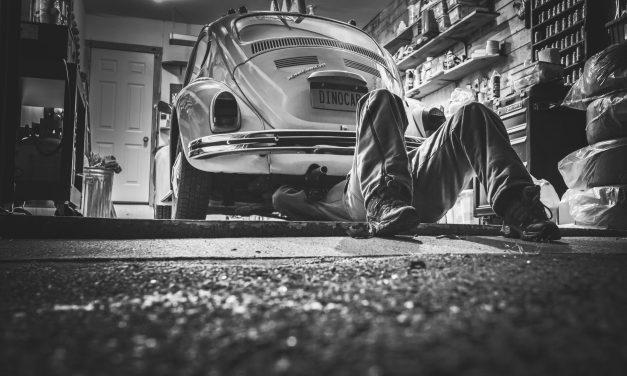 Z jakich materiałów wykonać podłogę w garażu